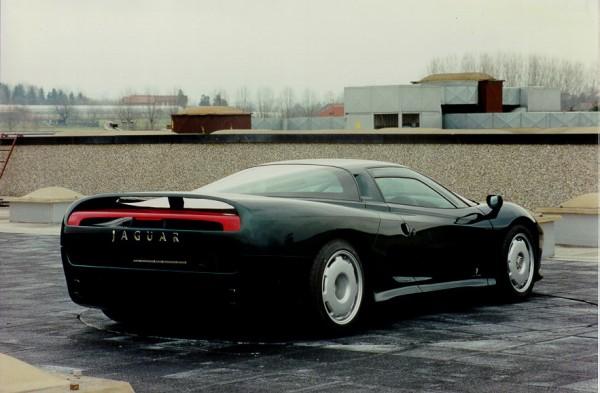 1995_Jaguar_XJ220Pininfarina2