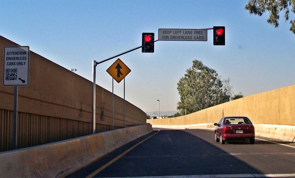 panneaux du futur - voie réservée aux voitures autonomes