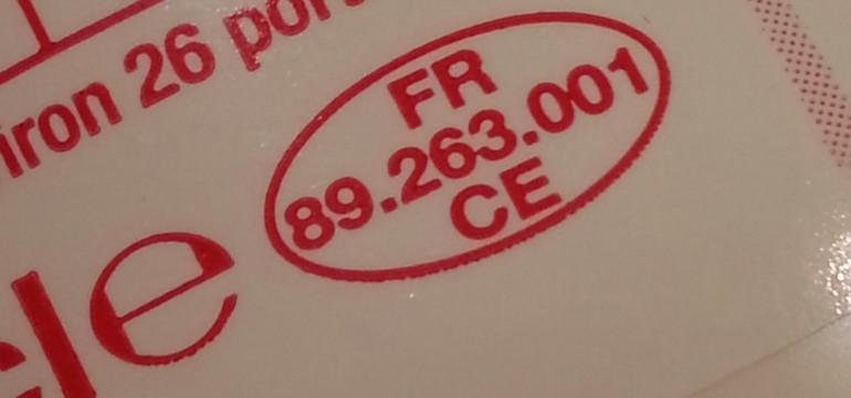 Le code emballage EMB sur un flacon de crème fleurette