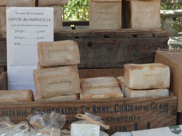 Savon de Marseille artisanal - Photo Emmanuelle Richard - Licence CC