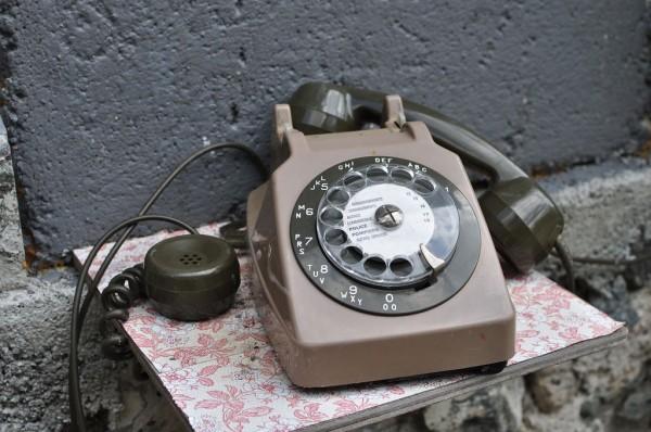 Telephone à cadran