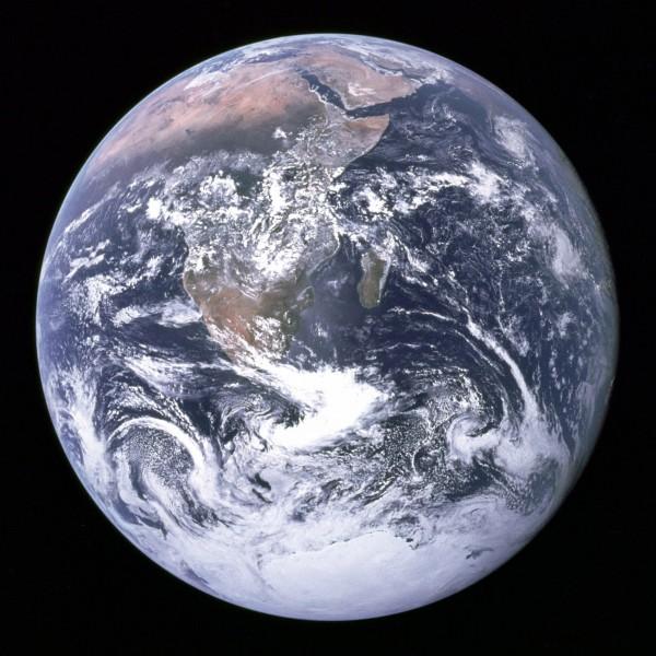 La terre en entier depuis l'espace en 1968