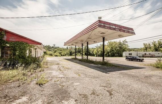 Les stations service abandonnées de Robert Götzfried