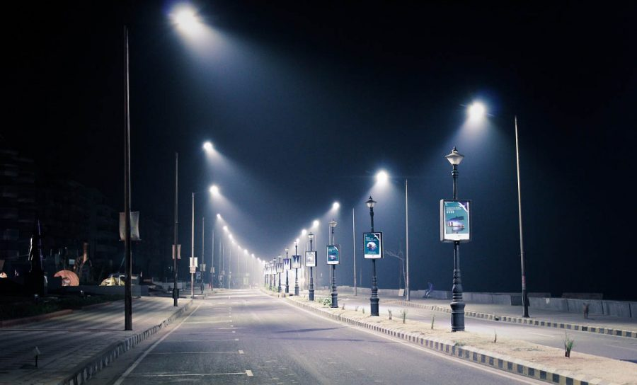 Eclairage - Un boulevard éclairé la nuit