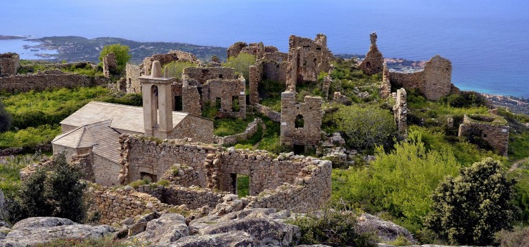 Le village abandonné d'Occi en Corse
