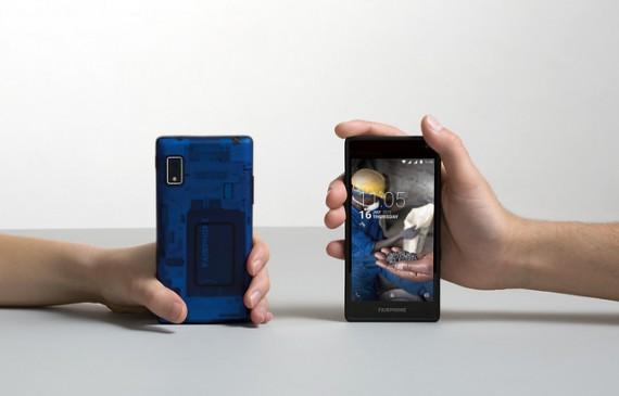 Le Fairphone 2, devant et derrière